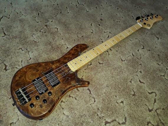Hart CoolCat bass