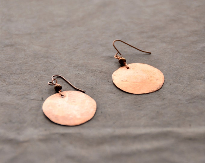 Mother Earth - hammered copper Earrings, 1 Pair select size