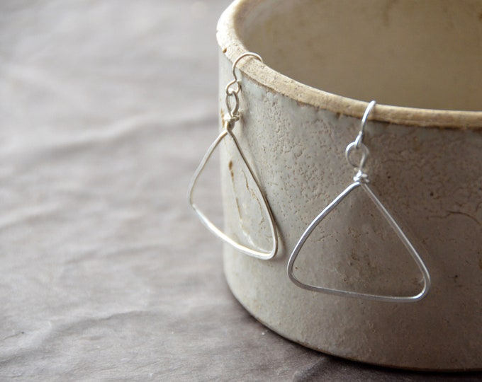 Pyramids - hammered silver earrings, select size