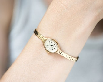 750288e58 Cocktail watch bracelet mint condition Sekonda, oval watch for women gold  plated vintage, classic evening watch, tiny gift minimalist rare
