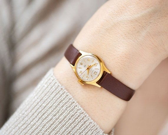 Gold plated women's watch Glory vintage, classic l