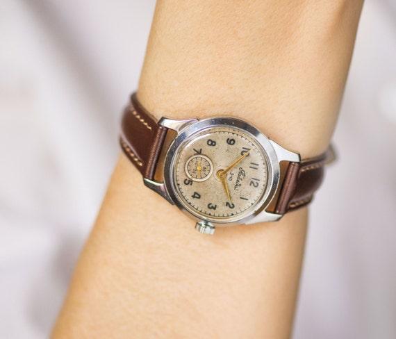 Retro face unisex watch Pobeda, mid century watch