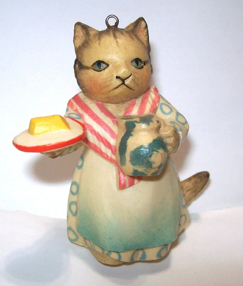 Beatrix Potter Mrs Rabbit /& Bunnies China Hanging Ornament NEW