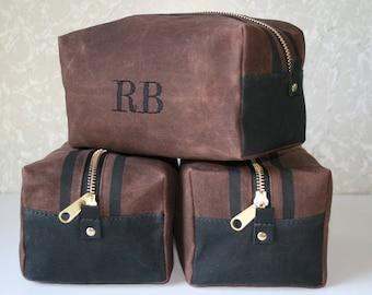 Waxed Canvas Dopp Kit / Monogrammed Toiletry Bags / Mens Gift / Groomsman Gift / Mens Toiletry Bag / Personalized Dopp Kit