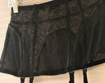garter size small black lace