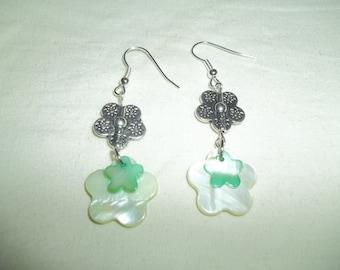 Beautiful Dangling Green Shell Flower Charm Earrings