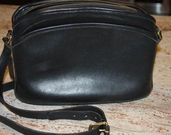 f27316872e Classic Black Leather COACH bag Shoulder or Crossbody M5C 9976