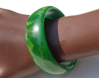 Bakelite Bracelet Bright Green with Yellow Marbling Simichrome Tested Glossy Translucent Grass Green & Yellow Marbled Bakelite Bangle