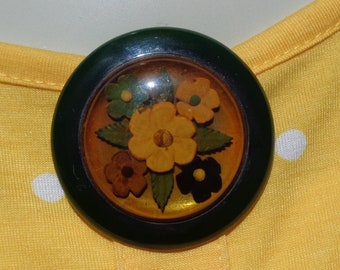 Bakelite Jewelry Bakelite Dress Clip Reverse Carved Bakelite Applejuice and Green Dress Clip Bakelite Gift