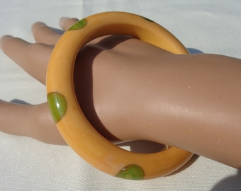 Bakelite Bracelet Six Dot Bakelite Bangle Simichrome Tested Light Green Fingernail Dots on Buttery Yellow Bracelet Classic and Collectible