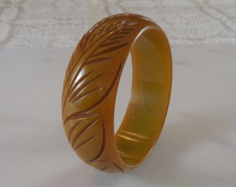 Bakelite Bracelet Wide Carved Bakelite Bangle Simichrome Tested Olive Green Bakelite Bangle with Detailed Leaf and Stem Carving Holiday Gift