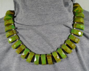 Bakelite Necklace with Geometrically Carved Dangles Simichrome Tested Gorgeous Art Deco Green Marbled Chunky Bakelite Choker Necklace