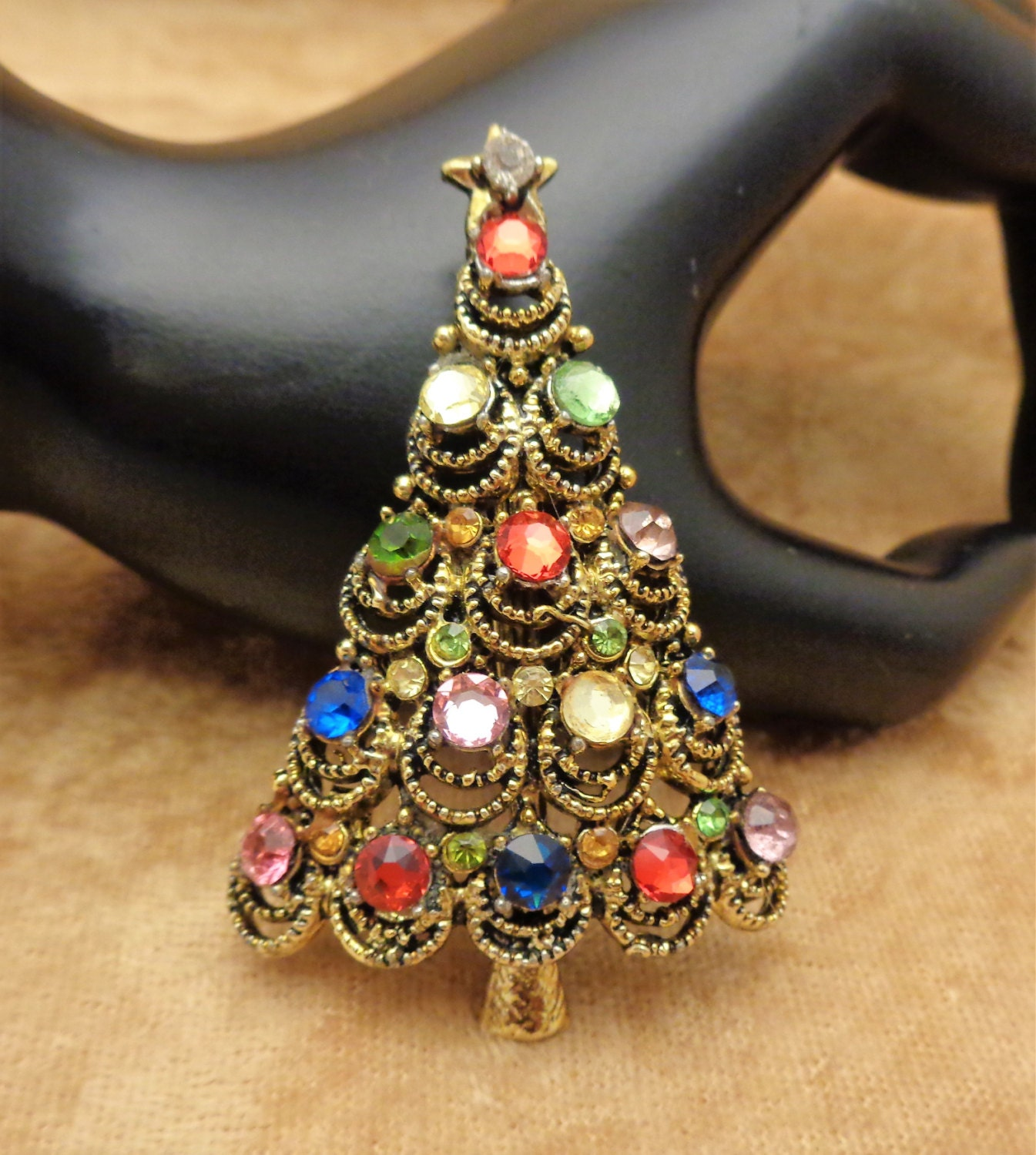e686cee72 Hollycraft Colorful Rhinestone Christmas Tree Pin 1950s Hollycraft ...