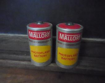 Vintage 1950's Mallory PhotoFlash Batteries M13 1.5 volts