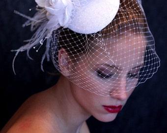 BRIDAL HAT, wedding hat, beautifull headpiece, fascinator. Birdcage veil and fantastic flowers. Lovely