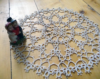 Tatting lace round doily ivory,new home gift, kitchen decor, Housewarming, gift for anniversary, new vintage style home decor, tatting doily