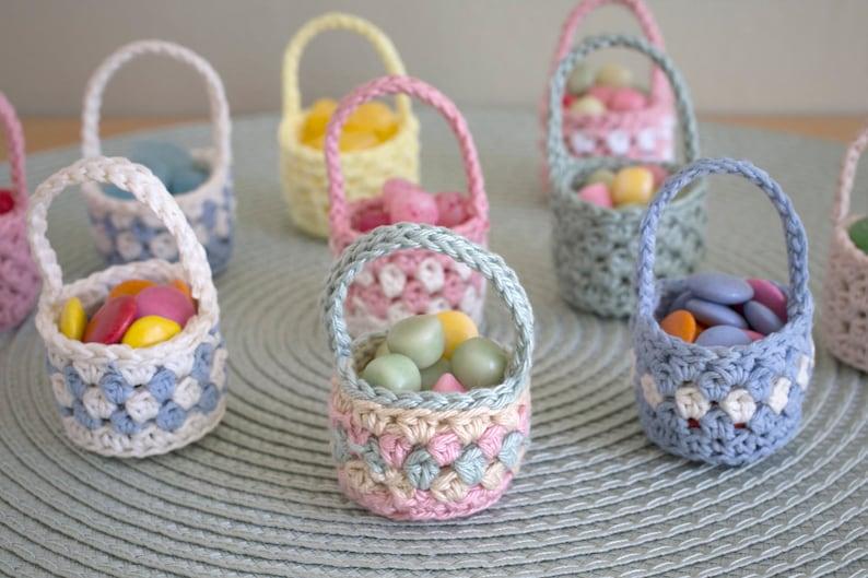 Mini Easter Baskets in crochet  PDF pattern image 0