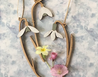 Wooden Flowers. A Trio of Pretty Hand Painted Birchwood Snowdrops