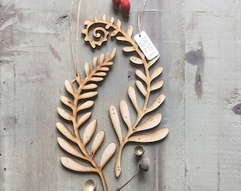 A Pair of Beautiful Birchwood Fern Decorations with Free U.K. Delivery