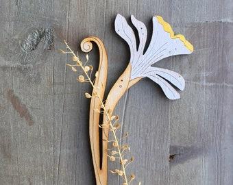 Hand Painted Birchwood Daffodil (Gooseflop)