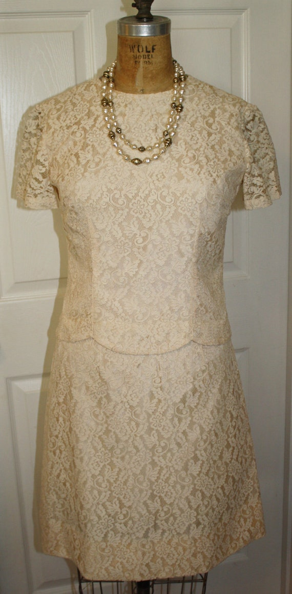 1960's Lace 2 Piece Dress with Scalloped Edge