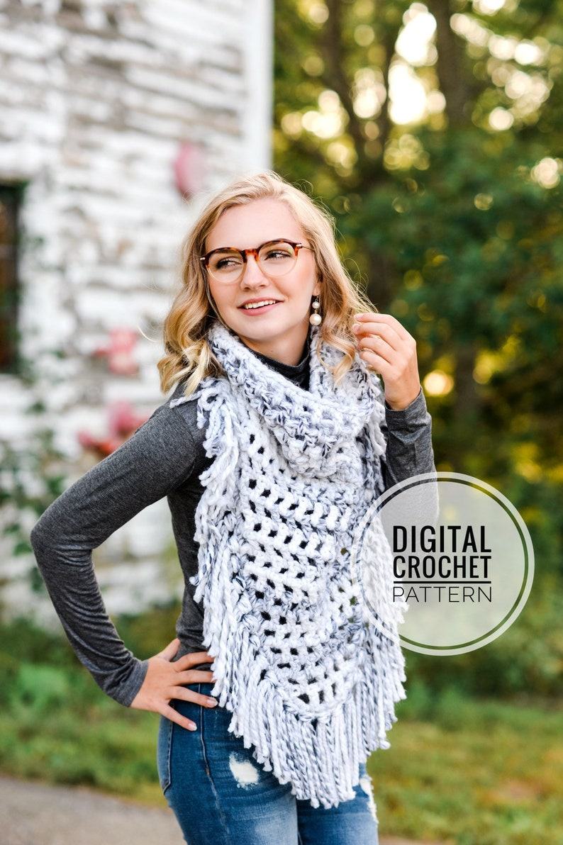 Crochet Pattern / Scarf Pattern / Triangle Cowl Scarf Pattern image 0