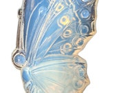 Sabino Opalescent Glass Swan Figurine with Closed Wings