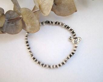 Tibetan Agate Stretch Bracelet - with Silver Bird