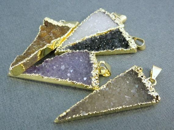 Breloque Breloque Breloque pendentif druzy Druzzy Drusy Triangle or 24 k plaqué bord (S1B7-10) f5c8ee