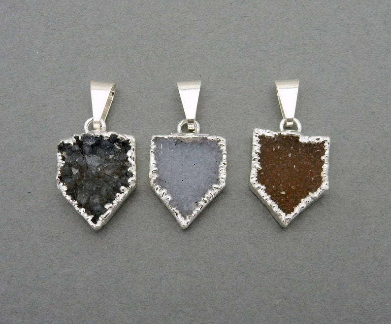 S88B1-06 Pentagon Druzy Pendant with Electroplated Silver Edge