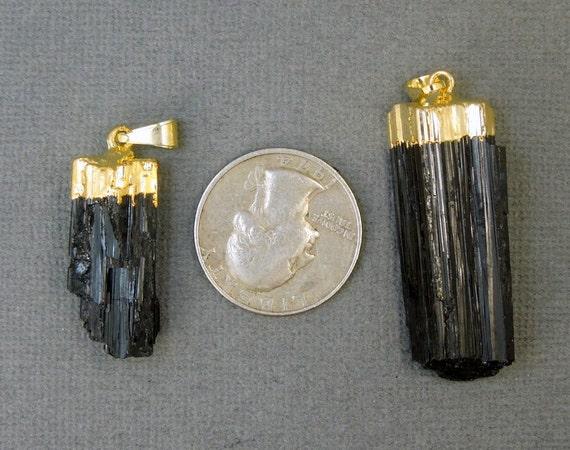 5 pcs Tourmaline pendentif Charm - Tourmaline bâton de Tourmaline - noir brut avec or plaqué Cap--LOT de 5 pendentifs (S24B14-01) e15ca4
