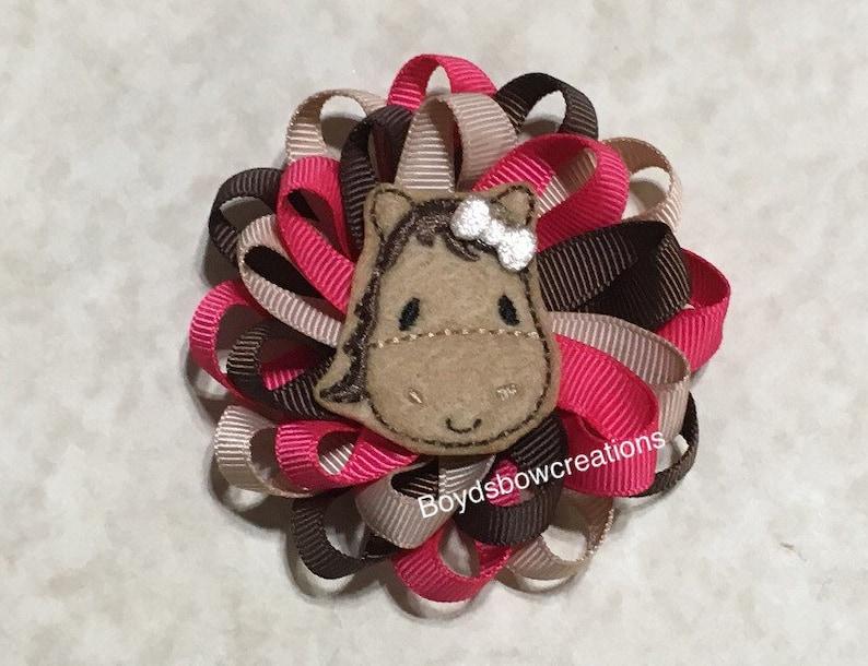 Horse felt loopy bow