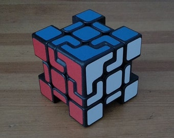 Corner Confusion Cube by Adam Ford (rare hand made puzzle similar to Rare Rubik's Cube 3x3x3 and Pyraminx)