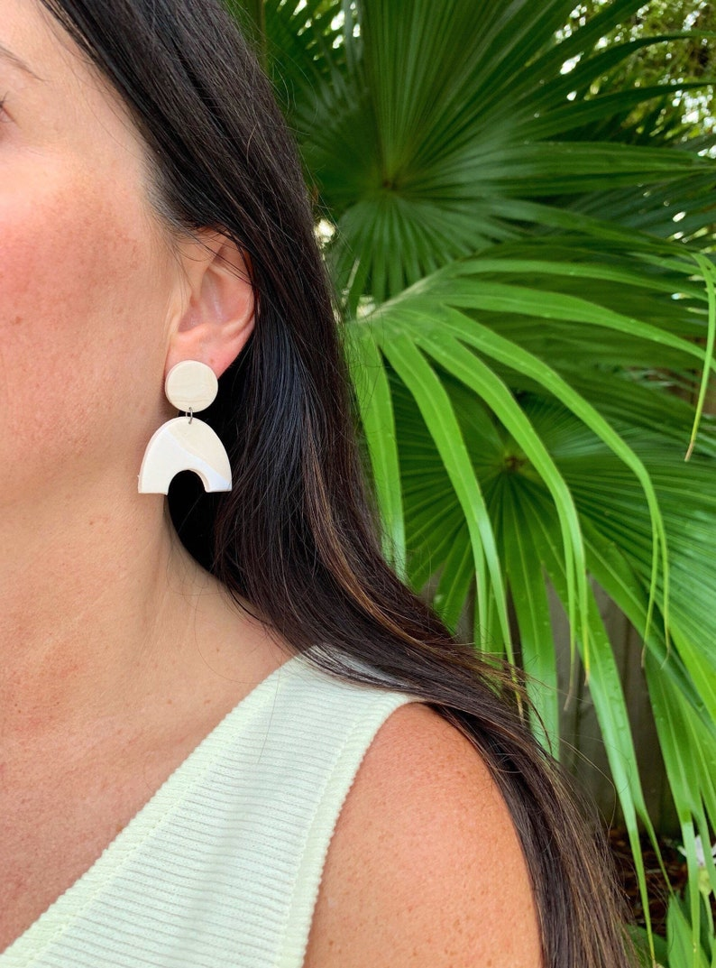 Cream and tan marbled arch clay earrings image 0