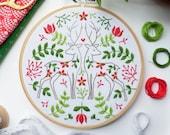 Two Christmas Deer, Art Craft Kit - Animal Embroidery Design, Animal Hand Embroidery Kit, Christmas DIY, Christmas Gift Idea,Deer Embroidery