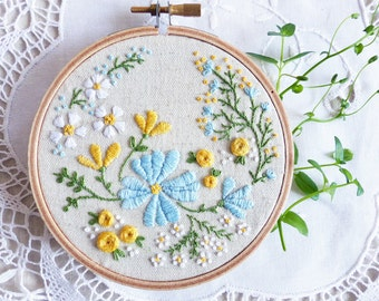 Hand Embroidery Kit, Embroidery Hoop Art, Christmas idea - Blossoming Garden - Diy Kit, Broderie, Hoop Art, Tamar, Modern Hand Embroidery