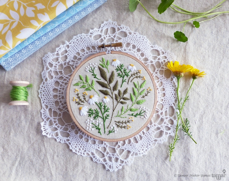Green flowers Embroidery kit Christmas gift idea  Green image 0