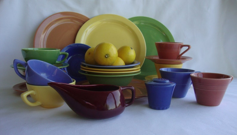 Homer Laughlin Harlequin California pottery four cups two saucers