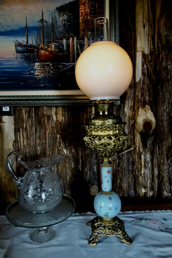 ANTIQUE VICTORIAN OIL //GWTW LAMP GLOBE ORANGE GLASS FLORAL EMBOSSED GORGEOUS
