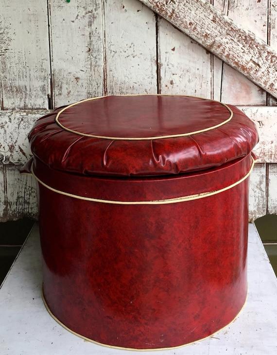 Amazing Storage Trunk Round Red Vinyl Storage Ottoman Footstool Hassock Vintage Mid Century Retro Lid Lifts Off For Storage Inzonedesignstudio Interior Chair Design Inzonedesignstudiocom