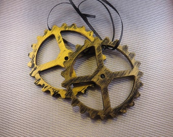 3.5 in Gear four spoke wood Ornament