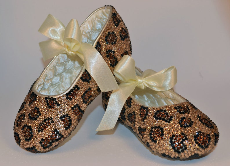 1b6db6db2f104 Chaussures de léopard Baby impression strass Swarovski Crystal