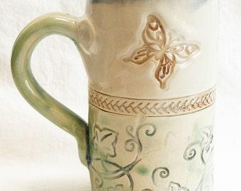 ceramic butterfly garden coffee mug 18oz  stoneware 18B029