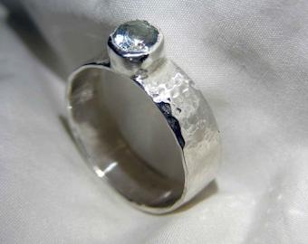 silver aquamarine ring,hand made,hammered,925