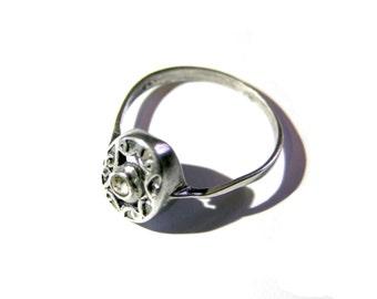 silver zircon ring,vintage,white zircon.