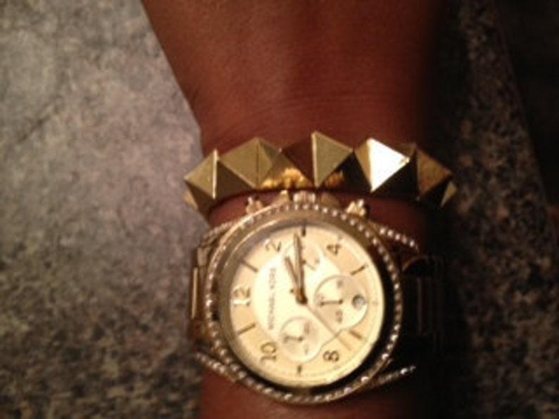 Rich Gold Metal Pyramid Elastic Stretch Stud Bracelet image 0