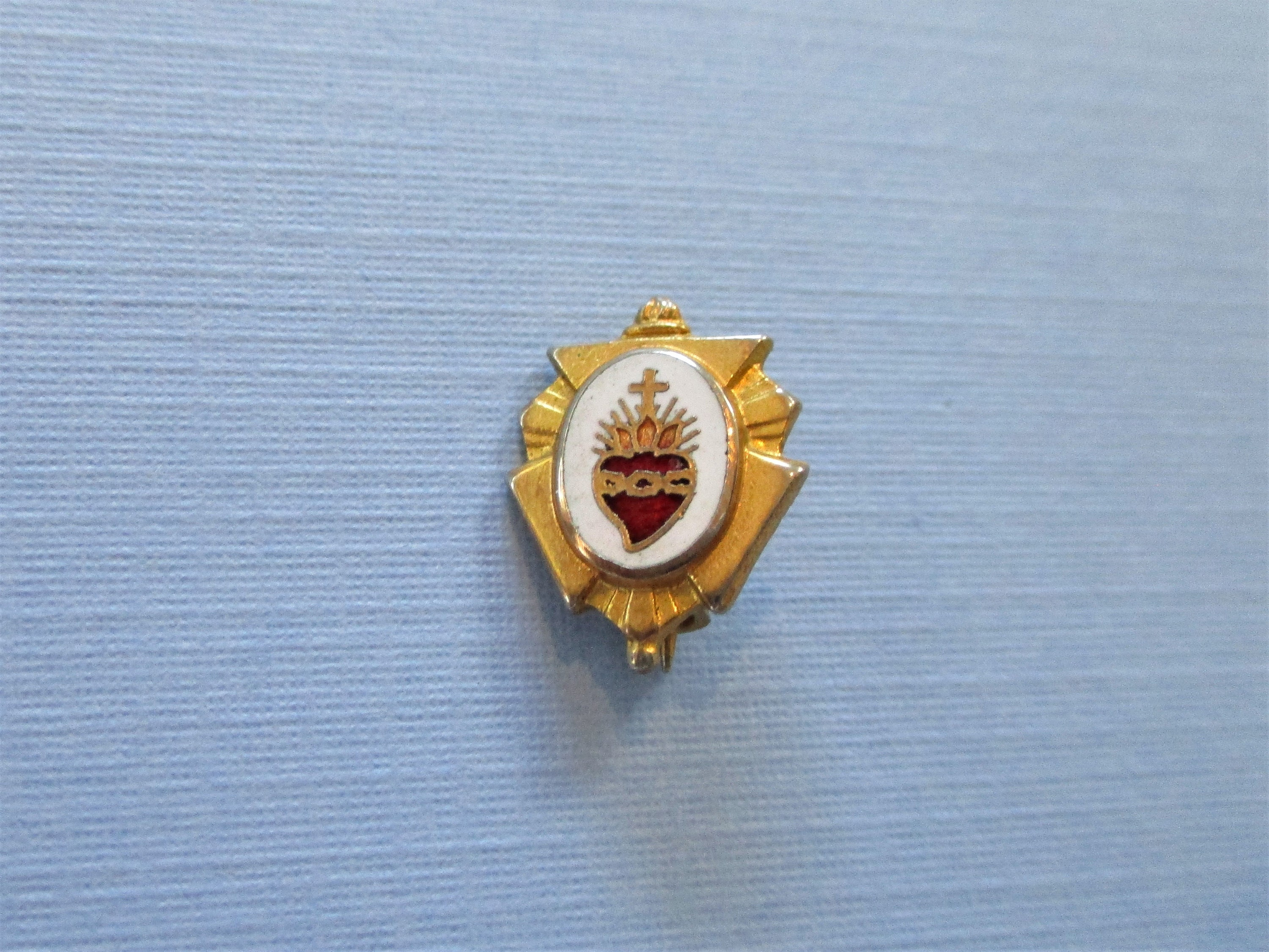 Sacred Heart Lapel Pin Badge Other Collectible Pinbacks