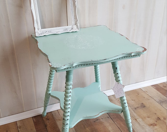PICK UP ONLY Vintage Shabby chic table, accent table, farmhouse, country bedroom, cottage night stand, bedside table, french country,
