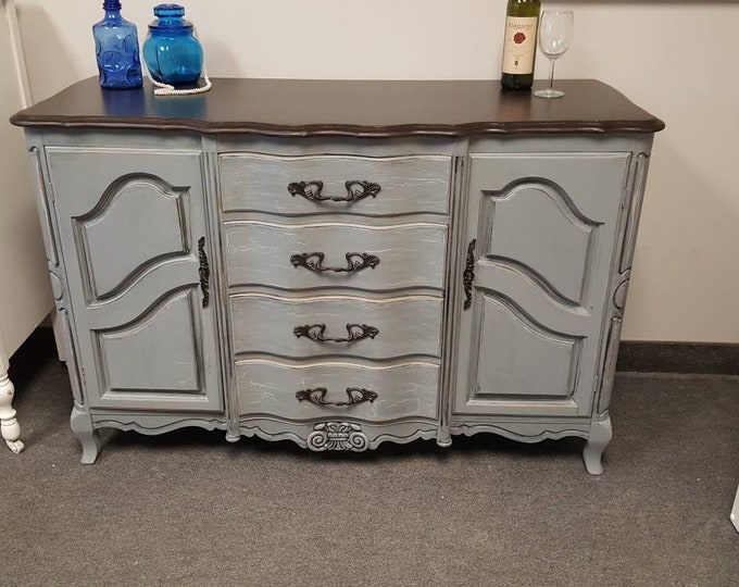 PICK UP ONLY Vintage french provincial buffet, server , sideboard , great for  living room, dining room, storage. French country