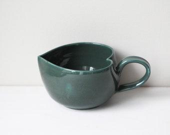 Emerald green heart-shaped mug, large